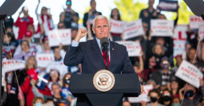 "Mike Pence alienta a los patriotas: ""Seguiremos luchando hasta que cada voto ilegal sea descartado"""